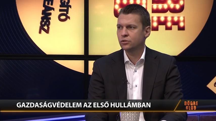Menczer Tamás - Pesti TV