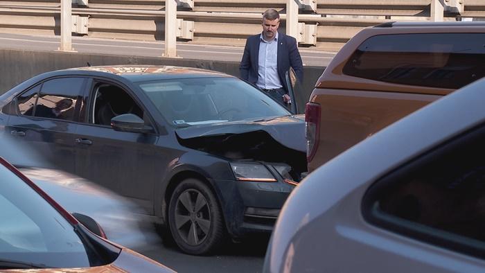 Balesetet okozott Jakab Péter szolgálati kocsija