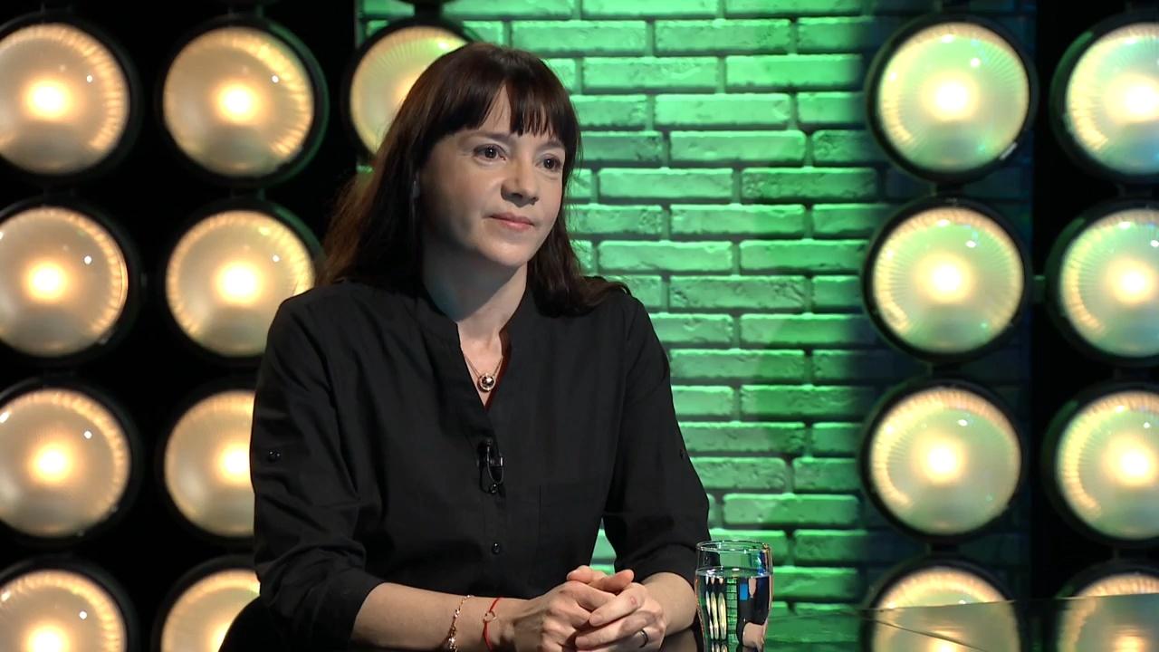 A KINCS anyák napi felmérést készített - Szomszéd Orsolya a Gerilla bárban