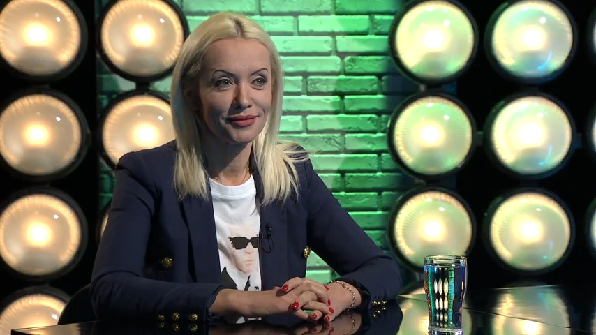 Köszönjük az elmúlt évet – Manninger Beáta, a Pesti Tv vezető szerkesztője a Gerilla Bárban
