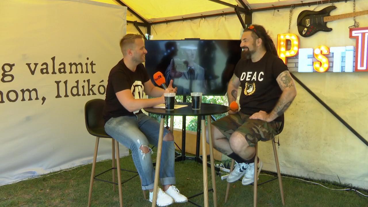 A buli helyett manapság már a könyvet választja a Tankcsapda gitárosa - Sidlovics Gábor portré